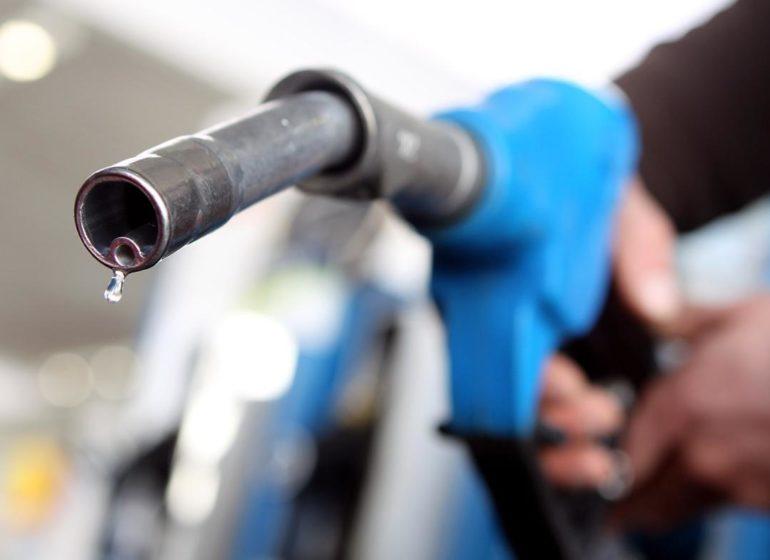 Затри недели литр бензина вКалининградской области поднялся вцене на  11 копеек